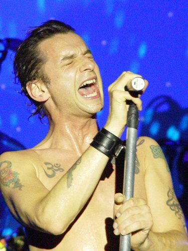 http://www.tattoos-by-design.co.uk/Celebrities/images/gahan3.jpg
